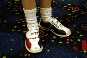 childrens-bowling-birthday-party-des-plaines